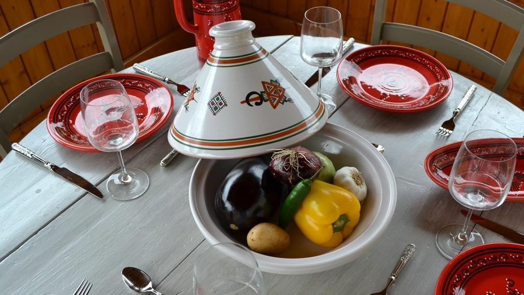 Yodeco yodeco grossiste tajines plat tajine oriental for Grossiste vaisselle restaurant