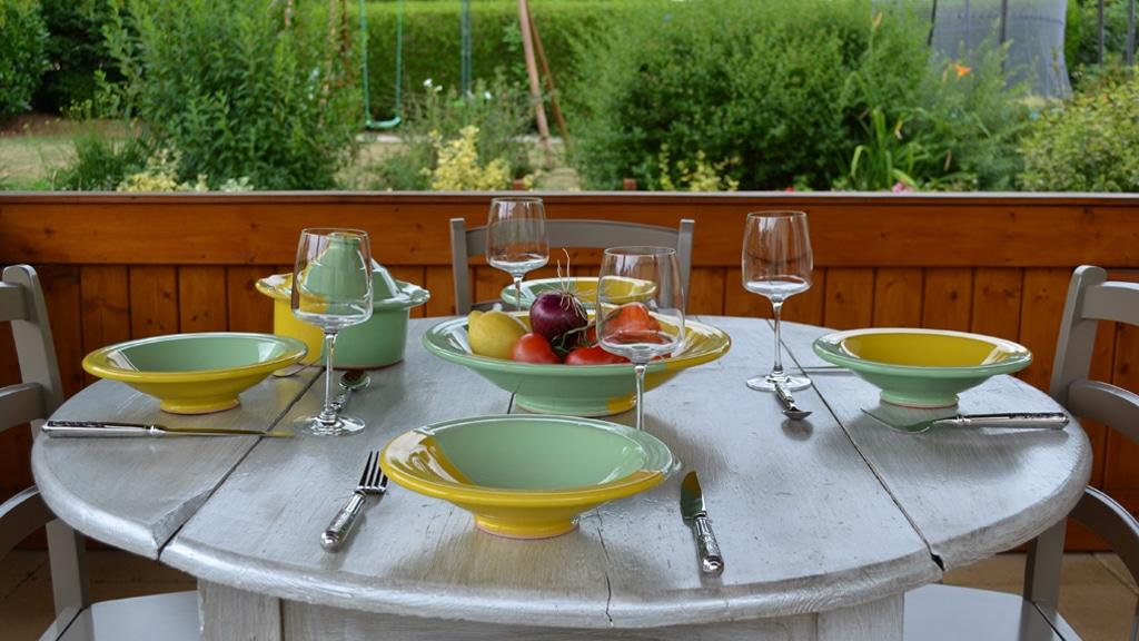 yodeco service couscous kerouan pistache jaune. Black Bedroom Furniture Sets. Home Design Ideas